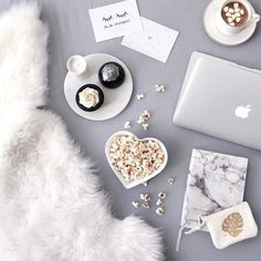 So delicious Flatlay Flatlay Instagram, Photo Pour Instagram, Flat Lay Inspiration, Coconut Oil Coffee, Flat Lay Photography, Food Photography, Flatlay Styling, E Design, Belle Photo