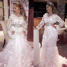 White caftan &makeup  by @ziana_anouchka  Snapchat : ayachbiba  Much love my bbs xx  #moroccanmodel #moroccanwedding  #makeup #mariagemarocain #bride #عرس #المغرب #beauty #cute #tbt #colorful #photooftheday #picoftheday #curlyhair #blonde #ziana #bibaayach #selfie #kaftan #smile #followme #دبي #لبنان #snapchat #bestoftheday #model #actress #mood  #love #dress