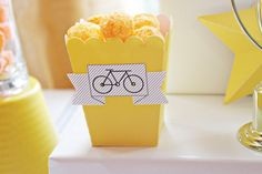 food cups with party flags Bicycle Birthday Parties, Bicycle Party, Birthday Party Themes, Birthday Ideas, 39th Birthday, Boy Birthday, Bike Websites, Party Flags, Ideas Para Fiestas