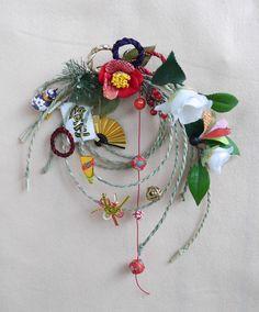 お正月遊びのしめ縄リースの画像1枚目 Japanese New Year, Chinese New Year, Japanese Art, Japanese Style, Diy Japanese Decorations, New Years Decorations, New Year Diy, Card Making Designs, Diy And Crafts