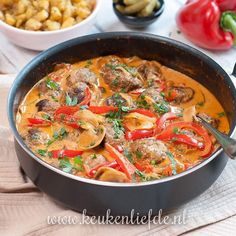Stroganoff pan with meatballs, Food And Drinks, Stroganoff pan with meatballs. Healthy Slow Cooker, Healthy Crockpot Recipes, Meat Recipes, Chicken Recipes, Dinner Recipes, Cooking Recipes, A Food, Good Food, Food And Drink