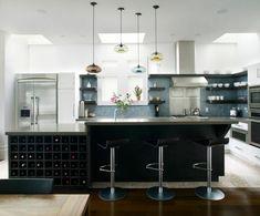 isla de cocina con armario de vinos