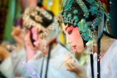 Beijing Opera in China  梦隨風萬里,尋郎去處,又還被,鶯呼起。