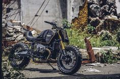 """BMW R nineT Street Tracker """"Super7"""" by Onehandmade - Images by JL Photography #motorcycles #streettracker #motos   caferacerpasion.com"""
