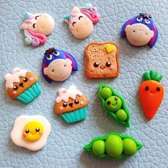 345 likes, 5 com . - # com # Moral . - Polymer Clay - Moda World Polymer Clay Kunst, Polymer Clay Miniatures, Fimo Clay, Polymer Clay Projects, Polymer Clay Charms, Polymer Clay Creations, Polymer Clay Jewelry, Clay Crafts, Clay Earrings