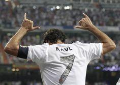 El homenaje del Real Madrid a Raúl González, en imágenes www.rtve.es/f/118615