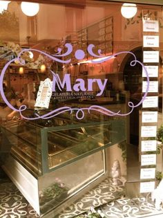Front of the tiny pink Mary's shop in Paris that give you the best Italian ice-creams