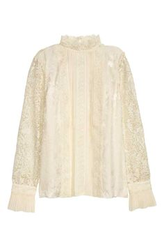 ERDEM x H&M. Blouse in jacquard-weave silk and openwork lace. Stand-up collar, pin-tucks, and decorative lace at front. Lace yoke at back Backyard Wedding Dresses, White Lace Blouse, Blouse Styles, Lace Sleeves, Feminine Style, Blouses For Women, Long Sleeve Tops, Fashion Online, Erdem