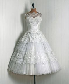 Love this 1950s wedding dress