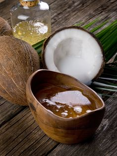 coconut| It is source of antioxidant,  vitamins and minerals. It detoxifies the skin while protecting it from free radical generation. Quick absorption and deep hydration. Removes dead skin cells and leaves the skin smooth.  It has anti-aging effects. #coconut #coconutoil Our suggestion: Body Butter Coconut extract  Organic Olive Oil 200ml