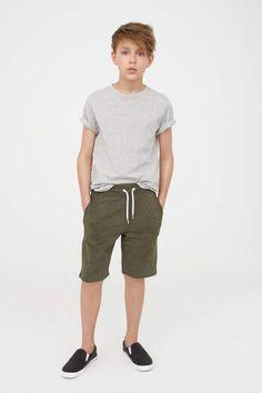 The Latest Good Boy Summer Style 11 Teen Boy Fashion, Toddler Boy Fashion, Toddler Outfits, Boys Fashion Summer, Teenager Fashion, Boys Summer Outfits, Summer Boy, New Fashion Shirts, Kids Wear Boys