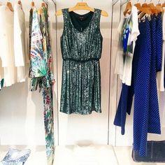 Muitas novidades estão chegando nas lojas e entrarão em breve em nossa loja online.   Que tal esse vestido incrível de paetês? ♡ ♡ ♡  Perfeito para eventos especiais a noite, né?  #fillity #fillityverao2015 #verao2015fillity #ss2015 #partydress