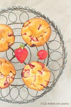 Strawberry Muffins / Muffin alle fragole http://www.lareflexnelpiatto.com/post.asp?title=fragole-a-colazione&NEWS_ID=35&page=1
