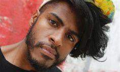 Rapper Rico Dalasam exibe pedaços do novo repertório no Sesc Pompeia