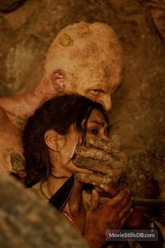 The Hills Have Eyes 2 - Publicity still of Daniella Alonso & Derek Mears