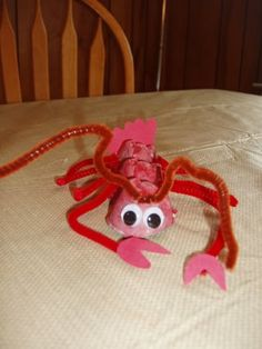 Sea Creature Crafts #sea shells #beach craft #shell craft #egg carton craft #recycled craft
