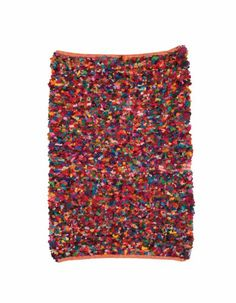 Rag rug made with recycled cotton