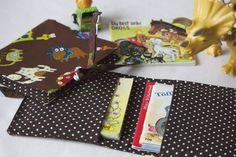 © merlanne c.f. Dieses Jahr feiern die Pixi-Bücher ihren 60. Geburststag. Schon meine Mutter hatte immer welche in der Handtasche, wenn wir unterwegs waren. Meine Kinder haben sie immer gerne im Re…