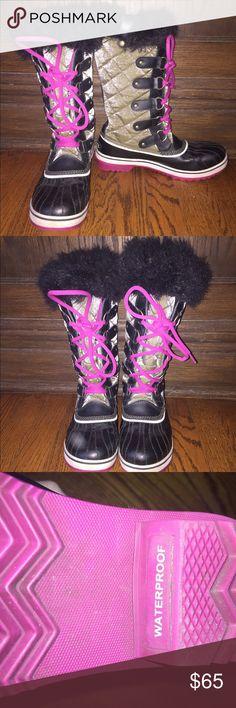 Sorel Tivoli II Waterproof Boot Great condition! Size 9 but fits an 8.5 as well. 100% waterproof. Sorel Shoes Winter & Rain Boots