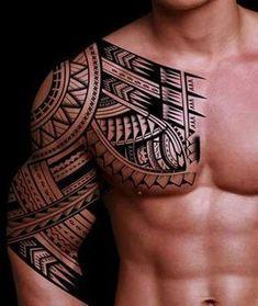 Maori Motiv t�towiert Arm und Brust #maoritattoosshoulder #maoritattooswomen
