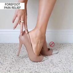 Introducing our New Soft HoneyComb Design For HOLIDAYS is an Anti-pain & Anti-slip Silicone Pads, which will help you wear any High Heels or Shoes making your feet feel comfortable and secure, 💝The Perfect Gift for Her! Look Fashion, Fashion Shoes, Steampunk Fashion, Milan Fashion, Gothic Fashion, Fashion Dresses, Mens Fashion, Stiletto Heels, High Heels