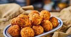 Rántott, sajtos rizsgolyók recept | Street Kitchen Cooking Together, Bruschetta, Orange, Cheddar, Baking Recipes, Bacon, Muffin, Good Food, Breakfast