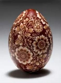 Egg Crafts, Easter Crafts, Polish Easter Traditions, Faberge Eier, Egg Shell Art, Polish Folk Art, Carved Eggs, Ukrainian Easter Eggs, Egg Designs