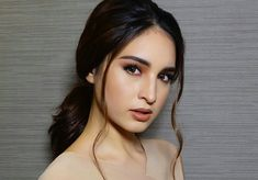 Coleen Garcia at the Love Me Tomorrow Premiere Coleen Garcia, Star Fashion, Fashion Beauty, Nude Jumpsuits, Easy Hairstyles, Hairstyle Ideas, Selfie Poses, Style Icons, Red Carpet