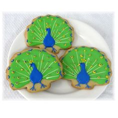 I love these peacock cookies! They can be personalized, too!