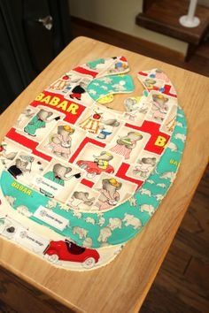 Babar 3 Pack : 3 Plastic Lined Bibs