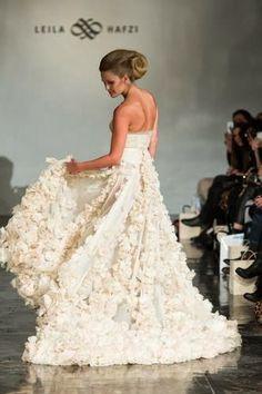 Bryllupsmesse House of Oslo 2014 ~ Bryllupstid Girls Dresses, Flower Girl Dresses, Oslo, Mars, Wedding Dresses, Flowers, House, Fashion, Dresses Of Girls