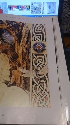 Bordure celtique libellule