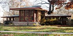 Isabel Roberts House, River Forest IL (1908) | Frank Lloyd Wright | Image : Rick McNees