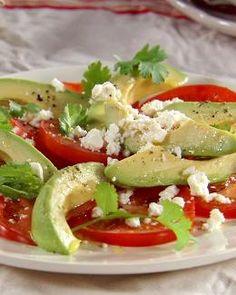 Ensalada de Tomate al estilo Mexicano - Recetas Mexicanas Tomato Salad, Caprese Salad, Mexican Style, Mexican Food Recipes, Clean Eating, Meat, Chicken, 4 Ingredients, Salads