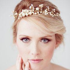 Já pode morrer de amores com essa coroa de pérolas? ?♥️Que lindaaaa…