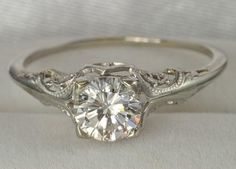 Weddbook ♥ Vintage Diamant-Hochzeit Ringe. Antique Verlobungsring. Vintage diamond ring