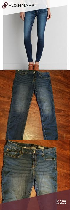 Aeropostale womens 14 dark wash ankle jegging Super flattering on and a must have staple for your wardrobe. Only worn a couple of times no flaws. Fade and lack of bottom hem are factory. Aeropostale size 14. Reasonable offers considered. Feel free to ask questions. Discounts on bundles. Aeropostale Jeans Ankle & Cropped