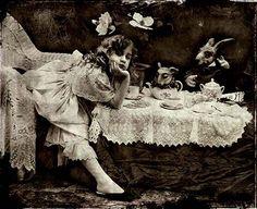 myaloysius:    Alice in Wonderland
