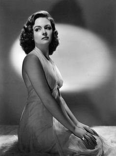 Donna Reed - Promotional Photoshoot for 'See Here, Private Hargrove' Old Hollywood Glamour, Golden Age Of Hollywood, Vintage Glamour, Vintage Hollywood, Hollywood Stars, Vintage Beauty, Classic Hollywood, Classic Actresses, Hollywood Actresses