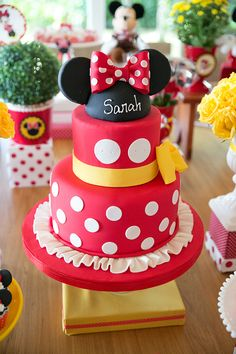 Aniversário de 2 anos com tema Minnie - Constance Zahn | Babies & Kids