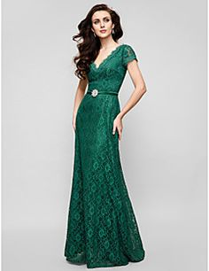 4eff1e775dd63 TS Couture® Formal Evening   Military Ball Dress - Elegant   Vintage  Inspired Plus Size   Petite A-line V-neck Floor-length Lace with Crystal  Brooch
