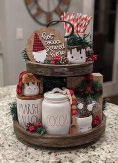So adorable! Farmhouse Christmas Decor, Christmas Kitchen, Rustic Christmas, Christmas Home, Christmas Holidays, Christmas Crafts, Holiday Decor, Christmas Centerpieces, Xmas Decorations