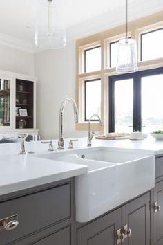 Double Butler Sink at The Grange, Ascot Project | Humphrey Munson #humpreymunson #handpainted #bespokedesign #openplan #butlersink #kitchenisland #kitchen #inspiration #ideas #bespoke