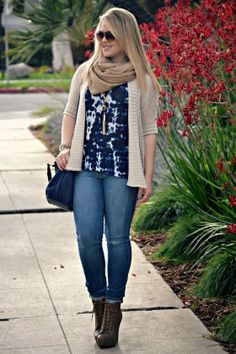 Neutrals & layers featuring #fabfound tie dye top and scarf!