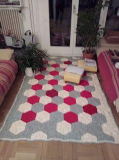 Contemporary, Rugs, Home Decor, Recycling, Throw Pillows, Carpet, Farmhouse Rugs, Decoration Home, Room Decor