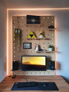 Wooden Pegboard, Computer Setup, Gaming Setup, Bedroom Setup, Bedroom Inspo, Tiny Office, Gamer Room, Pc Gamer, Simple Website