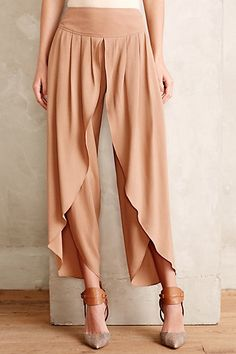 Anthropologie Cropped Tulip Trousers Sz 2 Neutral Beige Flowy Pants By Elevenses Flowy Pants, Skirt Pants, Wrap Pants, Harem Pants, Tulip Pants, Fashion Pants, Fashion Outfits, Fashion News, Modelos Fashion
