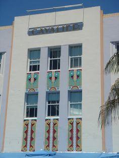 Cavalier Hotel (1936) South Beach, Miami. Architecte : Roy F. France. ©GB