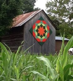 South Carolina barn quilt - so pretty! Barn Quilt Designs, Barn Quilt Patterns, Quilting Designs, Rustic Barn, Barn Wood, Barn Signs, Rustic Signs, Painted Barn Quilts, Barn Art