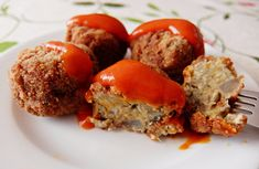Meatballs made without meat. They are made with Aubergines. Going Vegetarian, Vegetarian Cooking, Vegetarian Recipes, Healthy Recipes, Lunch Snacks, Vegan Snacks, Veggie Recipes Sides, Clean Recipes, Cooking Recipes